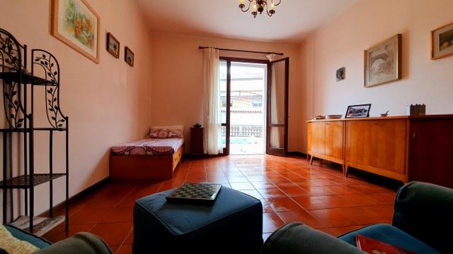 Stanza singola molto luminosa con terrazzo privato a Verona
