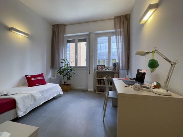 Singola in appartamento ristrutturato a pochi passi da City Life