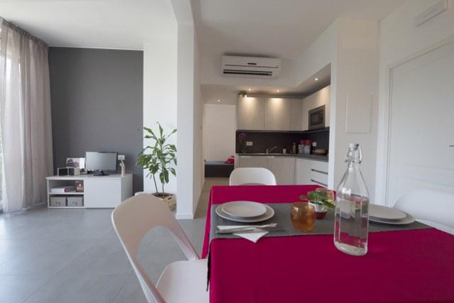 Moderno bilocale a Milano, zona Fiera