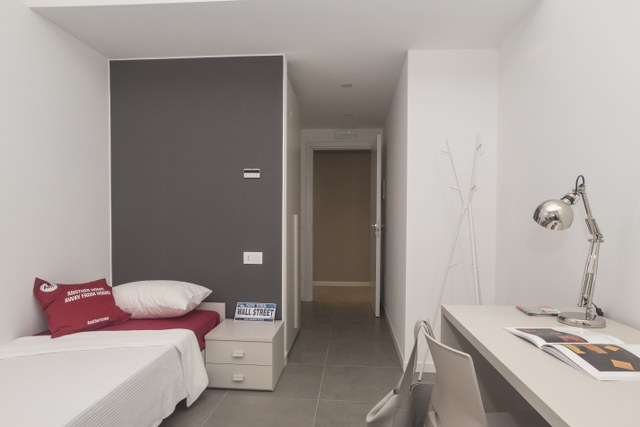 Ampia stanza singola a due minuti dall'università Cattolica di Milano